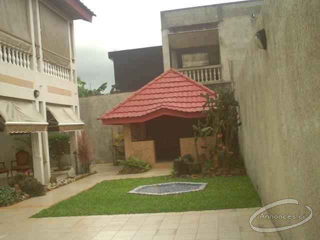 2 plateaux vallon: villa duplex à vendre [500000000 FCFA] : Annonce ...