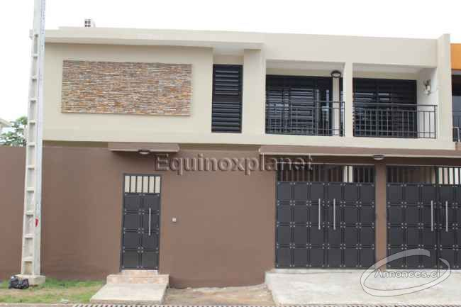 A louer duplex de 7 pi ces cocody angre 81 82 850000 for Abidjan location maison