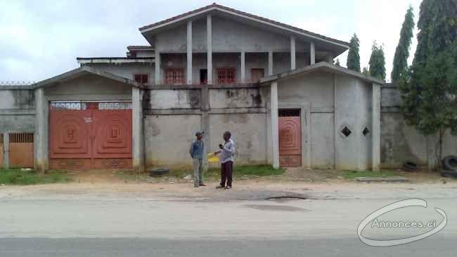sur - Maison A Vendre A Abidjan