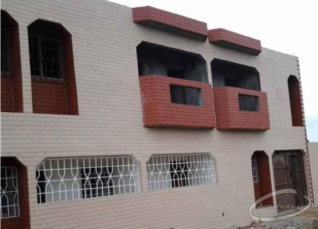 Luxueux appartement 3 piece a louer dokui le mahou 120000 for Abidjan location maison