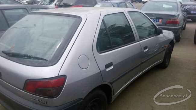 Peugeot 306 grise 2500000 fcfa annonce n 31719 sur for Interieur 306 annee 2000