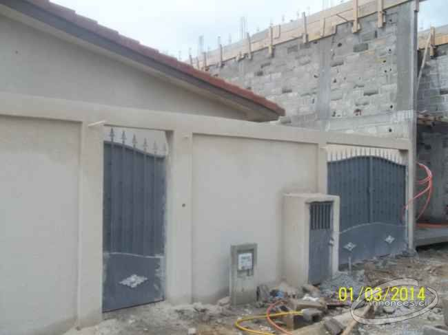 Villa 3 pieces a louer riviera sipim collegue for Abidjan location maison